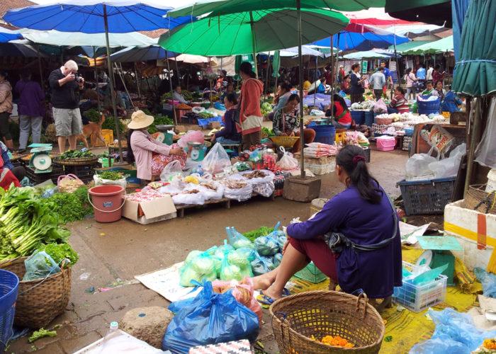Market sellers in LP