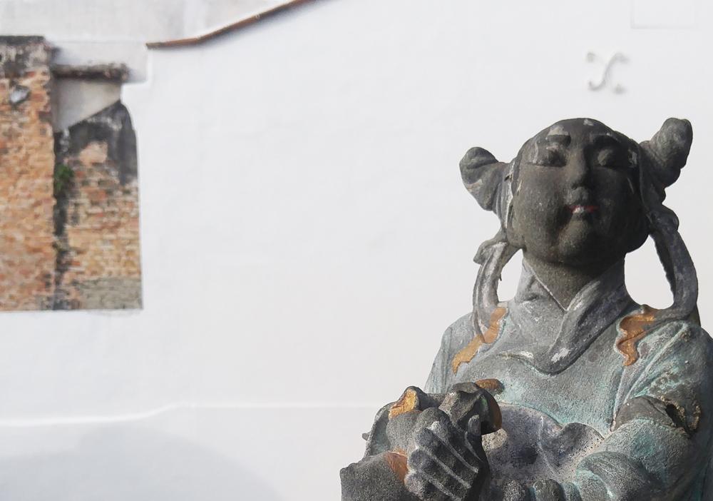 Reframed statue at Khoo Kongsi Temple, Penang, Malaysia