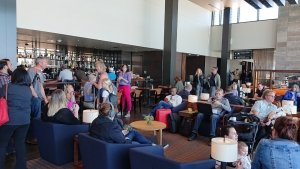 The bar in the Everett Airport lounge